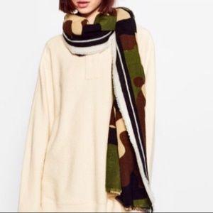 Camouflage Scarf Wrap by Zara